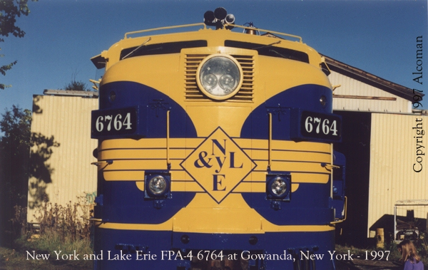 El juego de las imagenes-http://alcoman.railfan.net/nyle6764.jpg